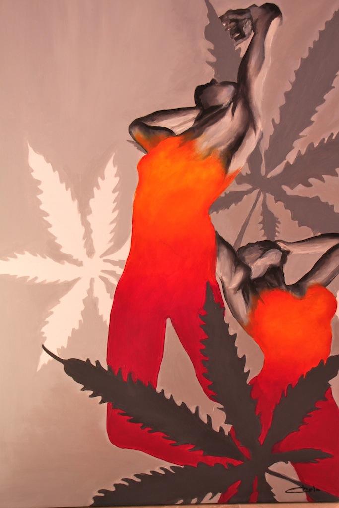 chicas con hojas marihuana reducido